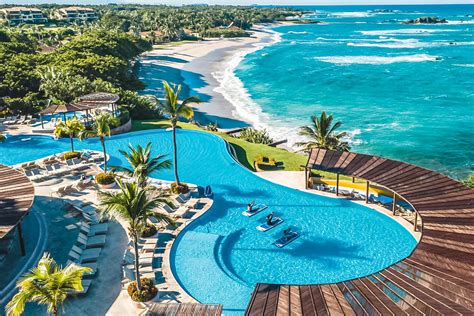 Resorts with Lazy River Waterparks and Pools for Adults