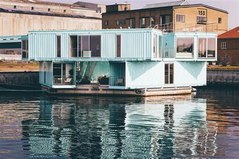 A green alternative to a shipping container house - katus