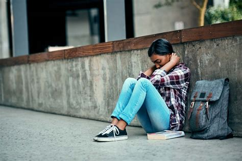 Easing Anxiety and Worry in Teens Before Starting College