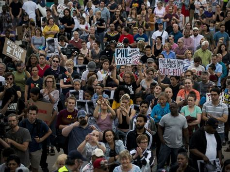 18 protesters arrested for blocking Minnesota freeway