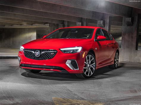 Buick Regal GS (2018) - picture 4 of 32